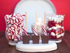 Hot chocolate favors + peppermint