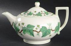 Wedgwood Napoleon Ivy Green (Queen's Ware) Teapot & Lid