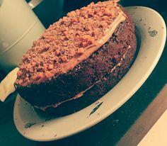 Gluten free chocolate fudge cake Chocolate Fudge Cake, Gluten Free Chocolate, No Bake Treats, Baking, Desserts, Food, Bread Making, Meal, Patisserie