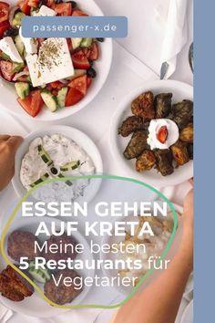 Die meisten Hauptgerichte auf Kreta beinhalten Fisch oder Fleisch. Das heißt aber nicht, dass man als Vegetarier/in nicht fündig wird. Unter den kalten und Vorspeisen ist ausreichend an vegetarischer Auswahl dabei. Ein Tisch voller griechischer Vorspeisen ist wie der Himmel auf Erden! Möchtest du wissen, welches meine allerliebsten Meze sind und welche Empfehlungen ich sonst noch für dich habe? griechische Rezepte   Vorspeisen Feta   Brotsalat griechisch #passenger-x Feta, Ethnic Recipes, Europe, Greek Appetizers, Greek Recipes, Crete Holiday, Greek Islands, Corfu