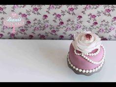 ▶ Wafer Paper Flower Blume aus Esspapier | Danis Cupcakes - YouTube
