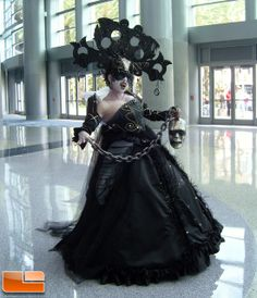 Saw her in person at Blizzcon... so awesome.  So glad she won the costume contest!