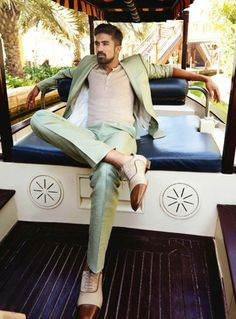 Nude is back in mens wardrobe. Be experimental like and style the shoes with no-show socks for a street style look. Saqib Saleem, Gq Style, Attractive Guys, Male Poses, Men's Wardrobe, Mens Fashion, Fashion Outfits, Bollywood Actors, Street Style Looks