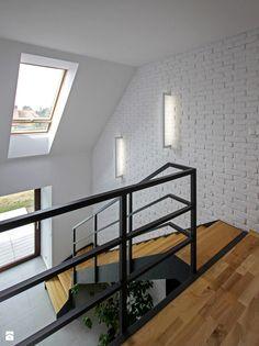 Czy można prosić o więcej zdjęć schodów. - Homebook.pl Comfy Cozy Home, Indoor Railing, Stair Handrail, Building A Fence, Steps Design, Loft House, Closet Designs, Staircase Design, Simple House
