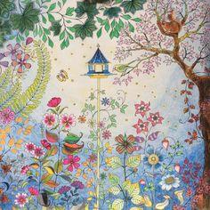 #secretgardencoloringbook#johannabasford #colors #coloringbook#コロリアージュ#ジョハンナバスフォード#大人の塗り絵#ひみつの花園#てんとう虫