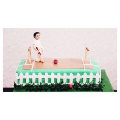 We have got a sweet ball and a batsman on a cake-y pitch for you.  Cricket just got better! . . #cakedecorating #cakedindia #cricketcake #themecakes #sportscake #foodbloggers #celebratinglove #specialcakeseries #technologyandfood #fondant #designedcaketable #bakerslife #foodtalkindia #yahoofood #sugar #sweettooth #birthday #getcaked #vsco #vscoindia #indianfoodbloggers  #delhifoodie #foodbloggers #weddingphotography #weddinginspiration #weddingplanner #weddingdetails #weddingfood…