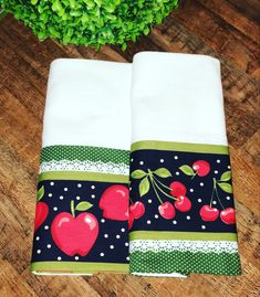 Dish Towels, Tea Towels, Christmas Stockings, Christmas Gifts, Towel Crafts, Flour Sack Towels, Kitchen Towels, Patches, Embroidery