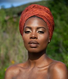 In the headwraps became a central accessory of Black Power's rebellious uniform. Headwrap, like the Afro, challenged accepting a style once used to shame African-Americans. Turbans, Headscarves, Dark Skin, Brown Skin, Black Girl Magic, Black Girls, Hair Wrap Scarf, Creative Makeup Looks, African Beauty