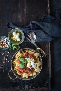 pasta all'amatriciana mit guanciale und mini büffelmozzarella by trickytine
