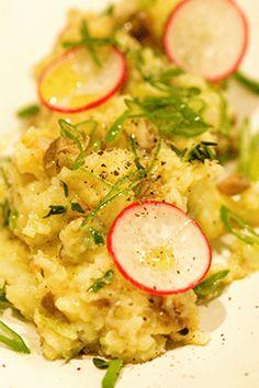 Πατατοσαλάτα με φρέσκο κρεμμύδι, κάπαρη και λεμόνι