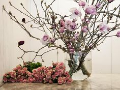 Roses and Magnolia from Hermetica Flowers Floral Photography, Bunch Of Flowers, Bridal Flowers, Event Styling, Outdoor Gardens, Poppies, Glass Vase, Floral Design, Bouquet