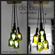 Lámpara de techo reciclada, modelo Racimo, creada con 5 botellas de color verde dispuestas a distinta altura, con florón de madera recuperada de pallets. Ceiling Lights, Lighting, Green, Color, Home Decor, Model, Green Roofs, Ceiling Light Fixtures, Lights