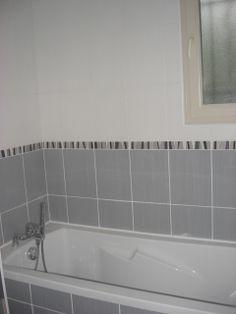 1000 images about la salle de bain par maisons arlogis constructeur maison 87 on pinterest - Maison grise et blanche ...