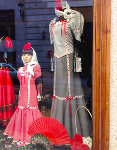 The chulapa: Madrid's traditional costume. I'll be making one for S using the Building Block Dress book. Block Dress, Fashion Story, Folklore, Harajuku, Sewing Projects, Spain, Traditional, Building, How To Make