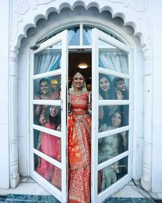 Bookmark this bridesmaid pose for your D day Bridesmaid Poses, Bridesmaid Outfit, Brides And Bridesmaids, Bridal Photography, Couple Photography, Indian Wedding Photos, Bridal Poses, Haldi Ceremony, Pre Wedding Photoshoot