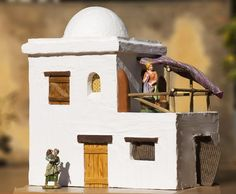 Diy Nativity, Christmas Nativity Scene, Christmas Villages, Christmas Manger, Nativity Scenes, Diy Arts And Crafts, Home Crafts, Southwestern Art, Medieval Houses