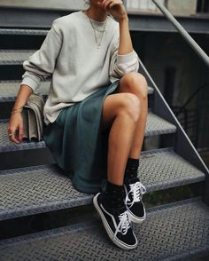 New Looks and Trends. 38 Trendy Fashion Trends That Always Look Fantastic – Modest Fall fashion arrivals. New Looks and Trends. Fashion Mode, Look Fashion, Winter Fashion, Womens Fashion, Fashion Trends, Fashion Images, Fashion Ideas, Korean Fashion, 2000s Fashion