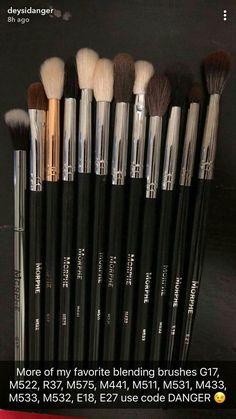 21 Highly Pigmented Professional Eyeshadow Palette Eye Shadow Makeup Kit Set Pro Palette High-end Formula (Frost, Shimmer) - Cute Makeup Guide Makeup 101, Makeup Guide, Makeup Dupes, Cute Makeup, Makeup Brands, Makeup Goals, Skin Makeup, Makeup Inspo, Makeup Inspiration