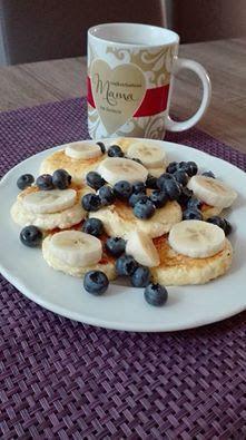Dietetyczne Pyszności: Sławne serniczki kokosowe Pancakes, French Toast, Food And Drink, School Hair, College Fun, Breakfast, Cheer, Entrepreneur, High School