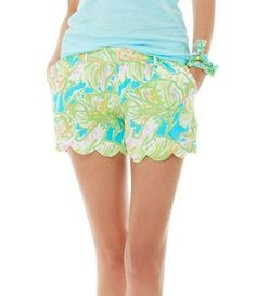 Lilly Pulitzer Buttercup Scallop Hem Short in Elephant Ears