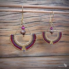 Handcrafted macrame earrings made with linhasita 0,5 mm thread, acai beads, glass seed beads, 925 sterling silver 24K gold plated beads, gold plated earwires, brass drop. The thin 0.5 mm linhasita thread gives a very fine look to the earrings. Used colors of thread: burgundy