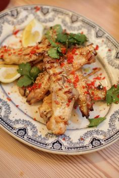 gangnam-style chicken wings | Jamie Oliver *chicken wings, hot chili sauce, apple cider, HONEY, sweet miso, ginger, garlic, scallion, sesame seeds, cilantro, red chiles,