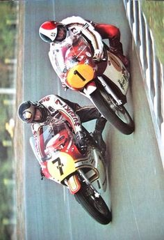 Barry Sheene and Giacomo Agostini at Le Mans. #500cc 1976