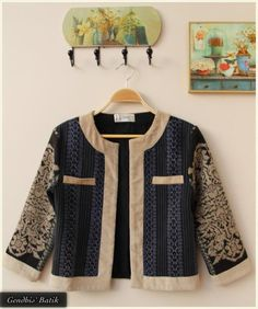 Tenun Lawas (depan) Batik Blazer, Blouse Batik, Batik Dress, Blazer Fashion, Fashion Outfits, Batik Kebaya, Batik Fashion, Casual Hijab Outfit, Next Clothes