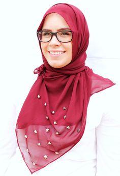 Pyramid Stud Hijab