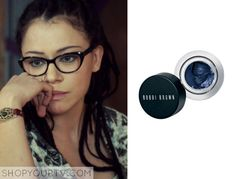 Cosima Niehaus (Tatiana Maslany) wears this dark blue eyeliner in Orphan Black. It is the Bobbi Brown Long-Wear Gel Eyeliner in Denim [...]