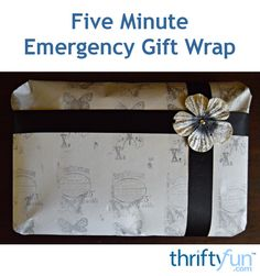 A quick, cost-effective and easy way to make stunning DIY gift wrap. General Crafts, Diy And Crafts, Gift Wrapping, Handmade Gifts, Paper, Wood, Frame, Glass, Tips