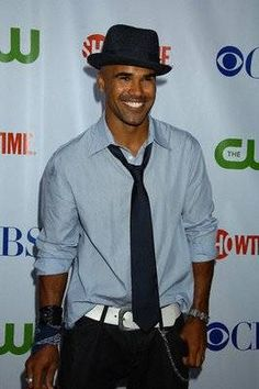 Shemar Moore in Loose Long Sleeve with Belted Jeans