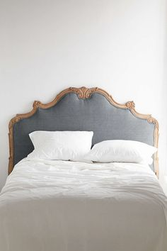 View entire slideshow: SMP's Favorite Beds + Headboards on http://www.stylemepretty.com/collection/2511/