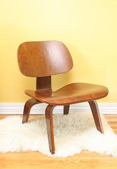 Eames Molded Plywood Lounge Chair @hermanmiller #eames # hermanmiller