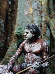 Michael Coyne - INDIGENOUS AUSTRALIAN DANCER WITH BODY PAINT, MOSSMAN GORGE, QUEENSLAND, AUSTRALIA