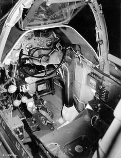 [Photo] Close-up view of a Lightning aircraft cockpit, 23 Dec note the yoke rather than stick control and the bullet proof glass panel above the instrument panel. Photo 1 of Lightning Aircraft, Lockheed P 38 Lightning, Ww2 Aircraft, Military Aircraft, Fighter Aircraft, American Fighter, Military Pictures, Flight Deck, Nose Art