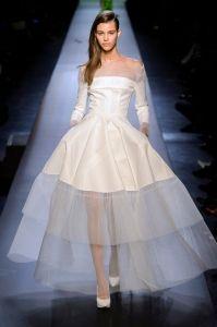 Beatrice Borromeo: i 10 abiti da sposa scelti per lei dalla redazione di Elle.it per il matrimonio con Pierre Casiraghi