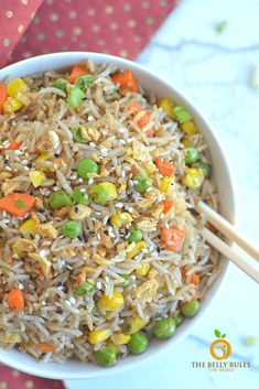 Instant Pot fried rice is a pressure cooker version made in a fraction of the time and it will totally satisfy any craving for Asian cuisine. Delicious Vegan Recipes, Vegetarian Recipes, Superfood Recipes, Healthy Recipes, Amazing Recipes, Vegetable Fried Rice, Fried Vegetables, Rice Recipes, Lunch Recipes