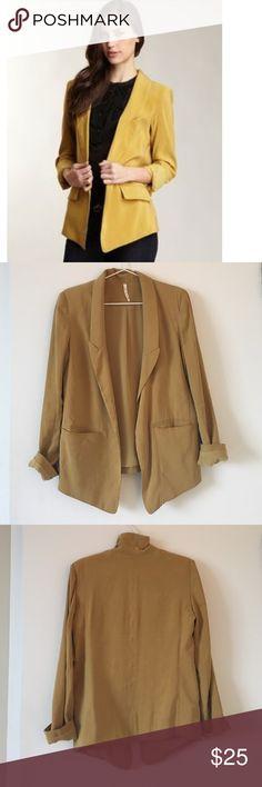Willow & Clay Blazer Beautiful blazer fits perfectly Willow & Clay Jackets & Coats Blazers