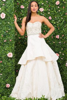 Ivory Sweetheart Neck Beaded Bodice Wedding Ballgown JB47405