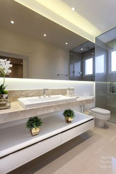 Bathroom Design Luxury, Home Interior Design, Dream Bathrooms, Small Bathroom, Bad Wand, Bathroom Designs Images, Modern House Facades, Classic House Design, French Country House Plans