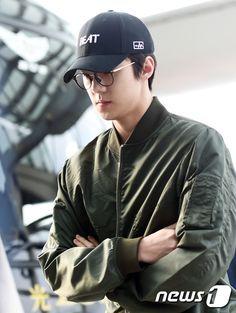 Sehun - 160528 Incheon Airport, departing for Shanghai Credit: News1. (인천공항 출국)
