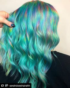 Stunning Pulp Riot Blue Green Mermaid Hair Colors in 2019 - Haarfarben Ideen Green Hair Colors, Hair Color Purple, Cool Hair Color, Blue Green Hair, Aqua Hair, Amazing Hair Color, Creative Hair Color, Blue Colors, Pelo Multicolor
