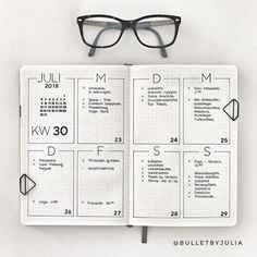 simple home decor Minimalist Bullet Journal spreads are great for busy people. H… simple home decor Minimalist Bullet Journal spreads are great for busy people. Here are some very simple weekly page ideas for when you dont have time to plan. Bullet Journal School, Bullet Journal Inspo, Bullet Journal Simple, Minimalist Bullet Journal Layout, Bullet Journal Spreads, Bullet Journal Weekly Layout, Bullet Journal Aesthetic, Bullet Journal Writing, Bullet Journal Junkies