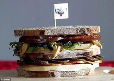 Бутерброд с сыром в микроволновке