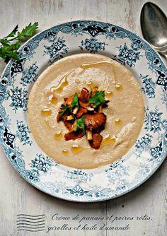 Crème de panais et poires rôtis, girolles et huile d'amande Very Easy Kitchen