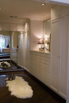 ♥ love the dark floors & sweet lamp in this walk~in closet/dressing room