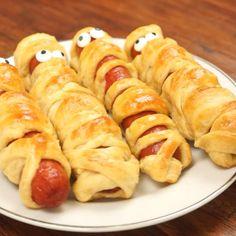 Halloween Hotdogs, Halloween Snacks For Kids, Halloween Party Appetizers, Appetizers For Kids, Halloween Dinner, Halloween Treats, Women Halloween, Halloween Halloween, Halloween Makeup