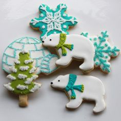 These have to be the coolest cookies EVER! The polar beers look like the 'Iced Animal' ones. LOVE!! <3