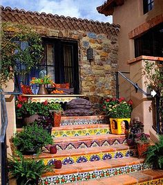 Hacienda Tiled Staircase-great way to add a little funk to plain on boring stairs Spanish Style Homes, Spanish House, Spanish Revival, Spanish Patio, Mexican Style Homes, Mexican Style Decor, Spanish Courtyard, Style Hacienda, Mexican Hacienda